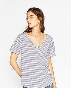 VネックTシャツ - 色違い有り