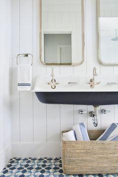 Home Decor Signs, Cheap Home Decor, Luxury Homes Interior, Home Interior Design, Interior Livingroom, Kohler Brockway Sink, Bathroom Inspiration, Bathroom Ideas, Pool Bathroom