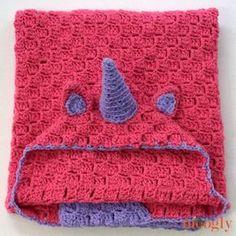 Cuddle Up Unicorn Blanket - free crochet pattern in 3 sizes Crochet Afgans, C2c Crochet, Manta Crochet, Crochet Crafts, Free Crochet, Crochet Baby, Crochet Projects, Crochet Unicorn Blanket, Crochet Blanket Patterns
