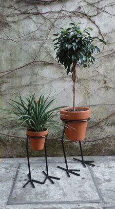 50 Best Interior Design Ideas For The Heart Of Your Home House Plants Decor, Plant Decor, Indoor Garden, Garden Pots, Metal Garden Art, Steel Art, Iron Furniture, Flower Stands, Iron Art