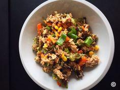Entdecke meinen super leckeren und gesunden Thunfisch Salat mit Paprika. Nur 200 Kalorien und es macht satt! Rezept auf meinem Foodblog aus Köln!