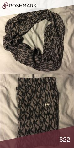 Michael kors MK scarf Michael kors MK infinity scarf! Black and gray, super cute! Never worn perfect condition! Michael Kors Accessories Scarves & Wraps