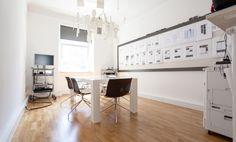 Vollausgestatteter Büroraum in wunderschönem Altbau bei einer Digitalagentur #Büro, #Bürogemeinschaft, #Office, #Coworking, #München, #Munich