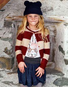 Que os parecen los #gorritos de #lana con orejitas? Adorables, a nosotros nos encantan! Consigue el #look para los más peques en #Benetton