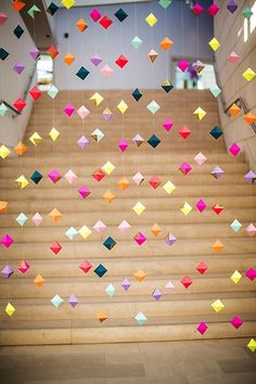16 Origami Pieces to Buy or DIY for Your Home DIY this origami garland for your next party. Party Girlande, Craft Projects, Projects To Try, Weekend Projects, Do It Yourself Baby, Valentines Day Weddings, Mobiles, Paper Crafting, Party Planning