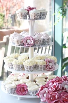 Cupcake Wrappers, Cupcakes and Candy Flowers