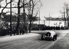 Karl Ebb selvitti kuolemankurvan toukokuussa 1933. Taustalla näkyy Töölönlahti.