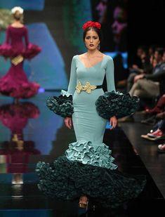 Flamenco Dresses, Fishtail, Diy Fashion, Mermaid, Design Inspiration, Costumes, Bata De Cola, Flamingo Party, Victorian Dresses