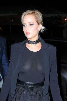 Jennifer Lawrence NUDE pics here at Celebrity Revealer - the full Fappening leak. Jennifer's pussy, tits, ass and more naughty selfies. Le Style Jennifer Lawrence, Jennifer Aniston, Jennifer Laurence, Good Looking Women, Beautiful Celebrities, Celebrity Pictures, Sexy Women, Celebs, Actresses