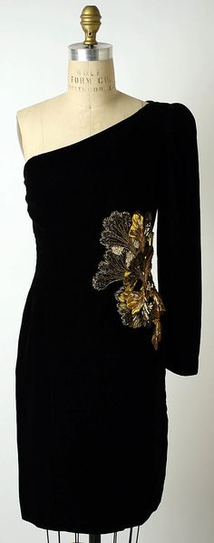 Black silk velvet evening dress with beaded and sequined appliqué, by Oscar de la Renta, American, 1980s.