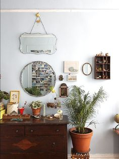 Love the mix of mirrors,