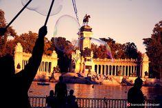 ¿Sabías que el lago del Retiro fue construido por orden de Felipe IV para recrear batallas navales? © www.barriosdemadrid.net