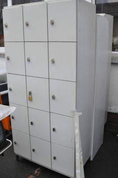 Stahl-Faecherschrank-Schliessfaecher-aus-Stahl-Metall