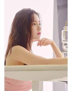 ในภาพอาจจะมี หนึ่งคนขึ้นไป Korean Actresses, Korean Actors, Korean Beauty, Asian Beauty, Shin Se Kyung, Cute Fairy, Actor Model, Beautiful Asian Girls, Beautiful Actresses