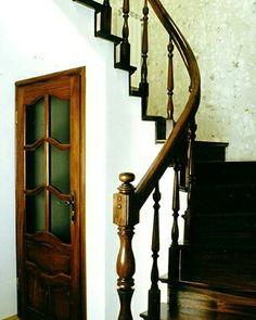 """Jeden z cytatów na dziś;)  """"Do sukcesu nie ma żadnej windy. Trzeba iść po schodach"""".  #schodymika #schody #schodydrewniane #stairs"""