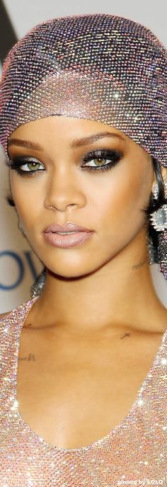 These celebrity eyeshadow looks are bound to get you through the weekend. We're loving Rihanna's smokey eye