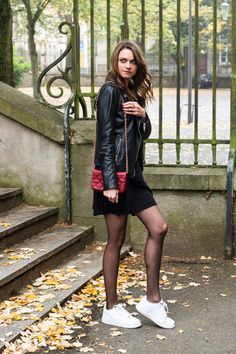 Casual Fall Outfits, Sexy Outfits, Girl Outfits, Pantyhose Outfits, Nylons And Pantyhose, Fashion Tights, Tights Outfit, Bas Sexy, Girls In Mini Skirts