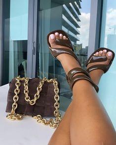 Aesthetic Shoes, Black Girl Aesthetic, Cute Heels, Shoes Heels, Mode Rihanna, Sneakers Fashion, Fashion Shoes, Mode Ootd, Hype Shoes