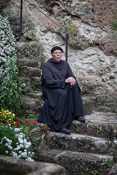 A Detroit priest lost in #Umbria, #Italy ©Hans Couwenbergh Photography