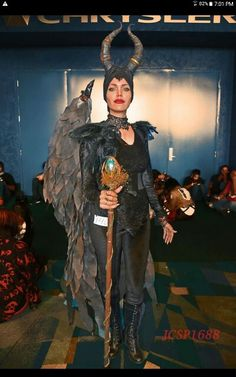 Look Alike, Maleficent, Red Lipsticks, Angelina Jolie, Witches, Samurai, Game Of Thrones Characters, Costumes, Legs