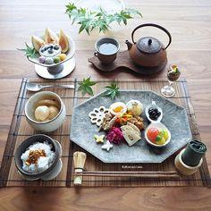 Japanese Food Dishes, Japanese Food Sushi, Cute Food, Yummy Food, Slow Food, Chinese Restaurant, Food Menu, Food Design, Food Presentation
