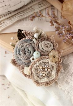 """Купить Брошь """"Прибрежные цветы"""" - текстильная брошь, брошь из ткани, брошь букет, софия волкова"""