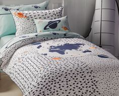 Take Off Quilt Cover Set available in single, double and queen bed sizes from Kids Bedding Dreams. Ideal for the boys bedroom or anyone that loves space and astronomy. Rainbow Room Kids, House Beds, Bedroom Accessories, Quilt Cover Sets, Bed Sizes, Queen Beds, Bed Spreads, Bedding Sets, Duvet Covers