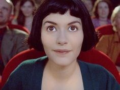 AMELIE | She looks for things | buy the Blu-ray now at amazon.com