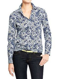 "I've always disliked button-up shirts. Would this one please be different? -- Women's Printed Shirts ""Blue Ditsy Floral"" 