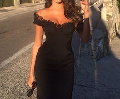 Dsquared 2014 Cady Lace Dressas seen on Jessica K (Dubai TV presenter)