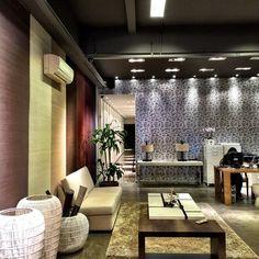 Showroom #Naru te espera sempre com novidades e inspiração. #mundonaru #wallpaper #decor #papeldeparede