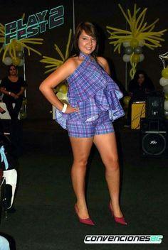 Monoshort con falda desmontable.  Alina Avendaño Couture.