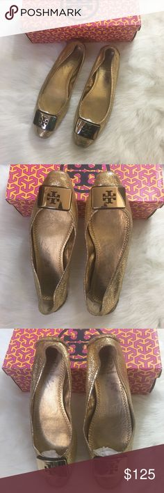 CCO❗️Tory Burch Joriann square toe loafer ballet These are adorable and I love them but I need a size 8 1/2. They come with the original box. I adore these because they're different than the round toe TB ballet flats and I consider gold a staple, you can literally wear these with anything. Jeans, dresses, skirts, leggings with a denim jacket and oversized tee 😍. Pre-loved but have so much wear left! Look super polished and pulled together with these beauties! Size 8 - color soft metallic…