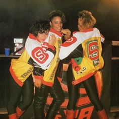 """""""Our job is to make sure that we respect it [Hip-Hop], we keep it respectable, keep the integrity and to teach what we knew and what we learned about it."""" - DJ Spinderella from the Grammy winning Hip-Hip trio Salt-n-Pepa. Old School Music, Love N Hip Hop, Hip Hip, My Black Is Beautiful, Look Fashion, 80s Fashion, Swagg, My Music, Childhood Memories"""