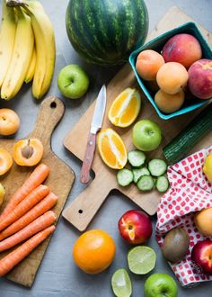 Vegetable and Fruit Peels: To Peel or Not To Peel?? - Adding the peel will open your green smoothies to a whole new level of nutrients. And you thought they were power-packed before! But it can also adjust the flavor or texture (often for the better!) #SimpleGreenSmoothies #peeling #healthy #smoothies #blender