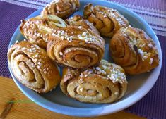 Gluteenitonta leivontaa: Perinteiset korvapuustit (finnois)