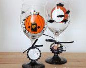 Halloween wedding wine glass - FREE personalization.  Set of 2 - Dishwasher safe glass.