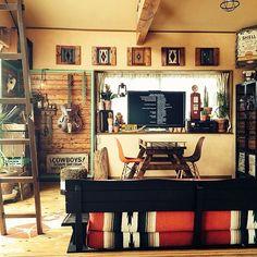 男性で、3LDKのコーヒー豆/エスプレッソマシーン/デスクライト/キッチンデスク/DIY…などについてのインテリア実例を紹介。「キッチンの壁を塗り替えたついでに、キッチン用の机を作りました。あまり広くはないですけど^^; ちなみに下はレンジやゴミ箱が収納されてます。」(この写真は 2015-03-27 18:58:50 に共有されました)