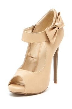 Mary Jane pumps w/ bow ankle strap // so feminine