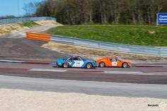 #Alpine #A110 et #Jidé sur le #TourAuto2016 à #Dijon_Prenois. Reportage : http://newsdanciennes.com/2016/04/20/tour-auto-2016de-passage-a-dijon-prenois-on-y-etait/ #ClassicCar #VoituresAnciennes #VintageCar #MoteuràSouvenirs
