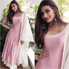 "4,873 Likes, 13 Comments - A Fashionista's Diary (@afashionistasdiaries) on Instagram: ""@athiyashetty  Outfit - @_myoho_  Earrings - @minerali_store  Styled by - @stylebyami @shnoy09…"""
