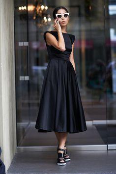 Milan Fashion Week  - Milan Street Style - ELLE #fashionweek