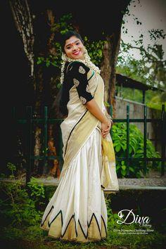 Set Saree, Half Saree Lehenga, Saree Look, Saree Blouse, Sarees, Half Saree Designs, Blouse Designs, Indian Natural Beauty, Kasavu Saree