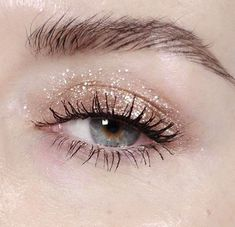 Think glitter makeup can't coexist with office life? We thought so, too. Until this happened #Cottonball<3