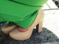 #revival #seventies #elephantpants #green #outfit #cashmere #girl #fashionblogger #fashionblog #shopping #trend #pants #sweater #shoes #pumps #zalando #spring #nude