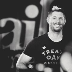 Beauty is in the eye of the beholder>>>I dare you to find someone that genuinely finds Jensen Ackles ugly. He's practically the definition of beautiful