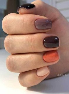 Catch the inspiration portion to a beautiful design manicure short nails! More than 50 ideas trendy manicure on short and very short nails Pretty Nail Colors, Fall Nail Colors, Pretty Nails, Warm Colors, Nagellack Design, Fall Nail Art Designs, Short Nail Designs, Minimalist Nails, Nagel Gel