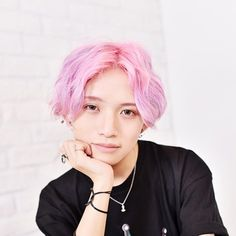 とまん キスハグキス Toman XOX Pastel Goth Fashion, Emo Fashion, Genderless Kei, Boys With Curly Hair, Androgynous Fashion, Boy Hairstyles, Best Face Products, Japanese Fashion, Beautiful Boys