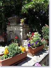 Saint-Auban-sur-l'Ouvèze, sierlijke fontein