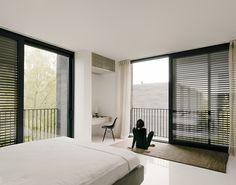 Interior. Xixi Wetland Estate por David Chipperfield Architects. Fotografía © Simon Menges. Señala encima de la imagen para verla más grande.